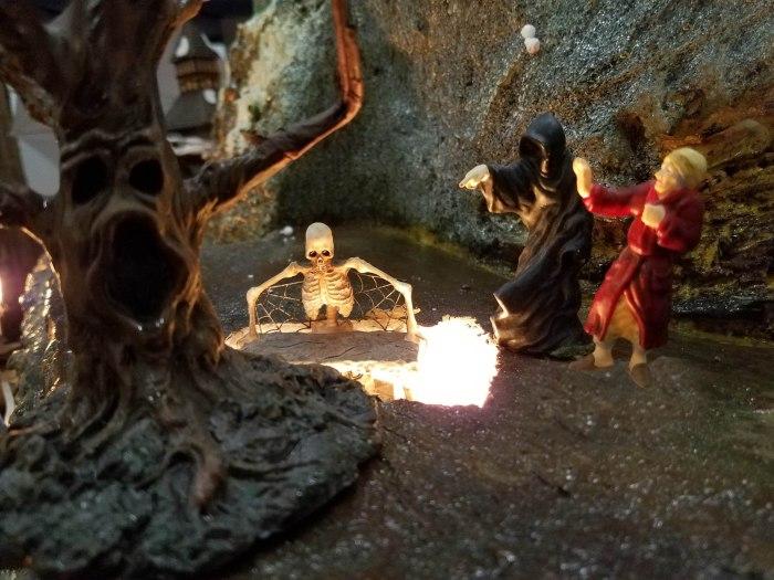 lo-rez-scrooge-grave